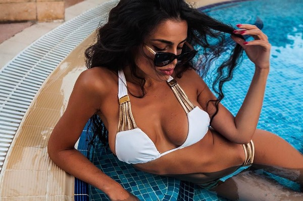 Модель Феридэ Ибрагимова отправилась в Дубай