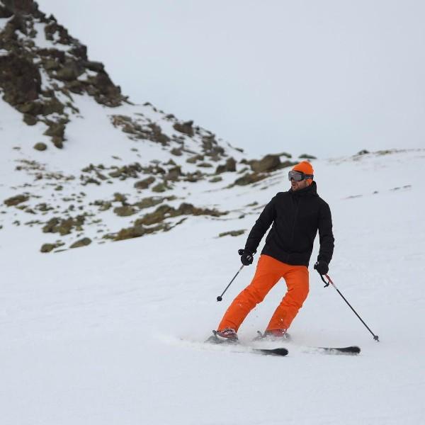 Emin отдыхает на горнолыжном курорте в Швейцарии